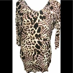 Jennifer Lopez leopard print 3/4 sleeve top